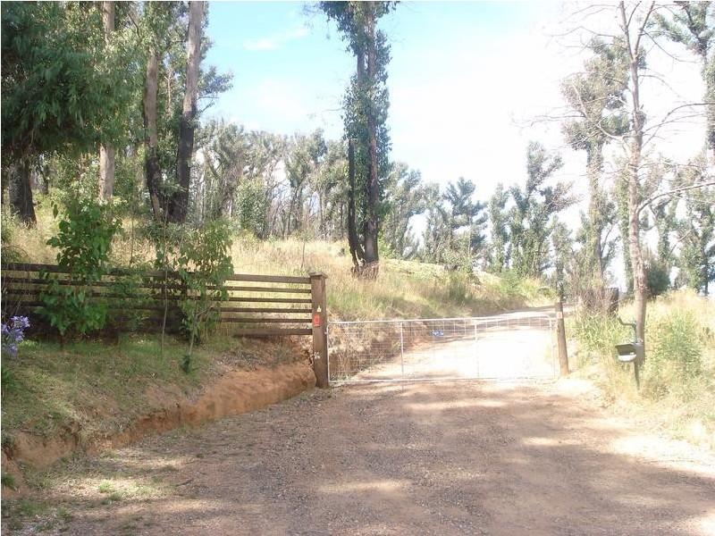 86 Silver Parrot Road,, Hazeldene VIC 3658