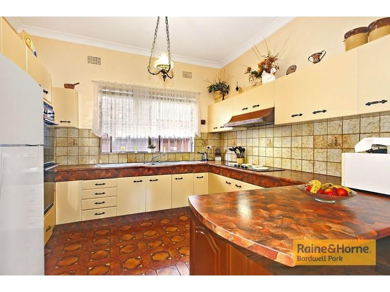 43 Eighth Avenue, Campsie NSW 2194