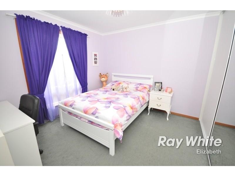 9 Surrey Court, Craigmore SA 5114