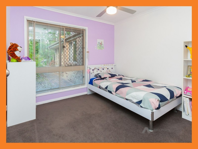 30 Kings Way, Chambers Flat QLD 4133