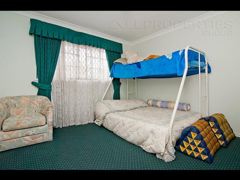 38 KILSAY CRESCENT, Meadowbrook QLD 4131