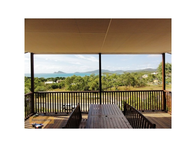 14 Rattray Ave, Hideaway Bay QLD 4800