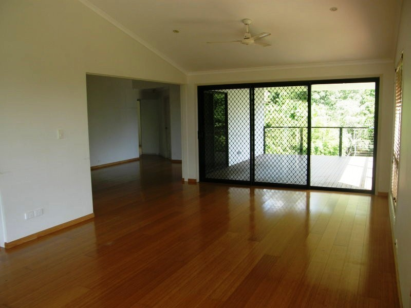 35 Rattray Ave, Hideaway Bay QLD 4800