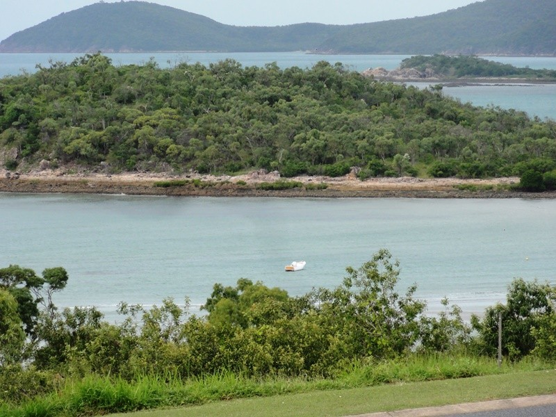12 Blackcurrant Drive, Hideaway Bay QLD 4800
