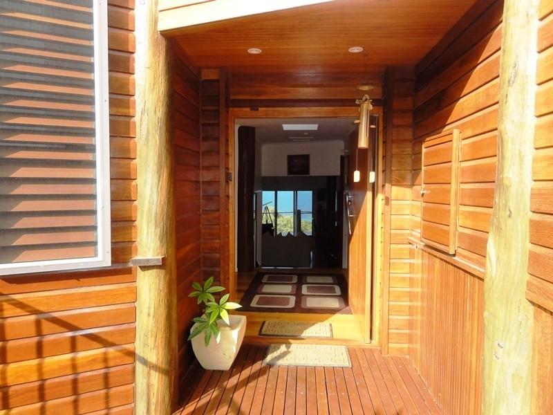 3 Blackcurrant Drv, Hideaway Bay QLD 4800