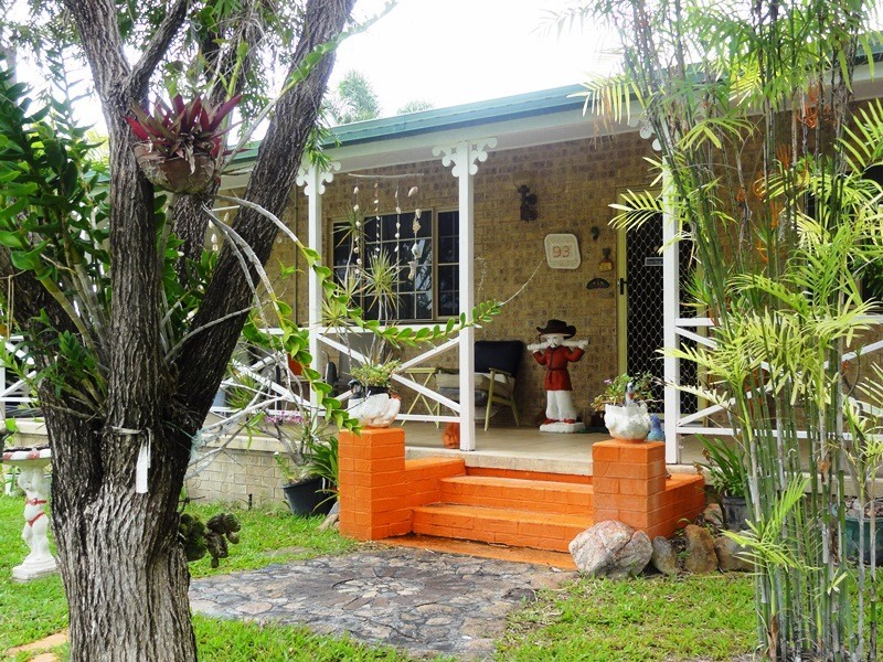 93 Gloucester Avenue, Hideaway Bay QLD 4800