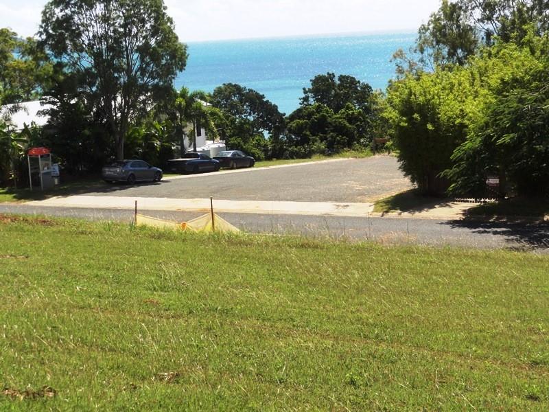 7 Gloucester Avenue, Hideaway Bay QLD 4800