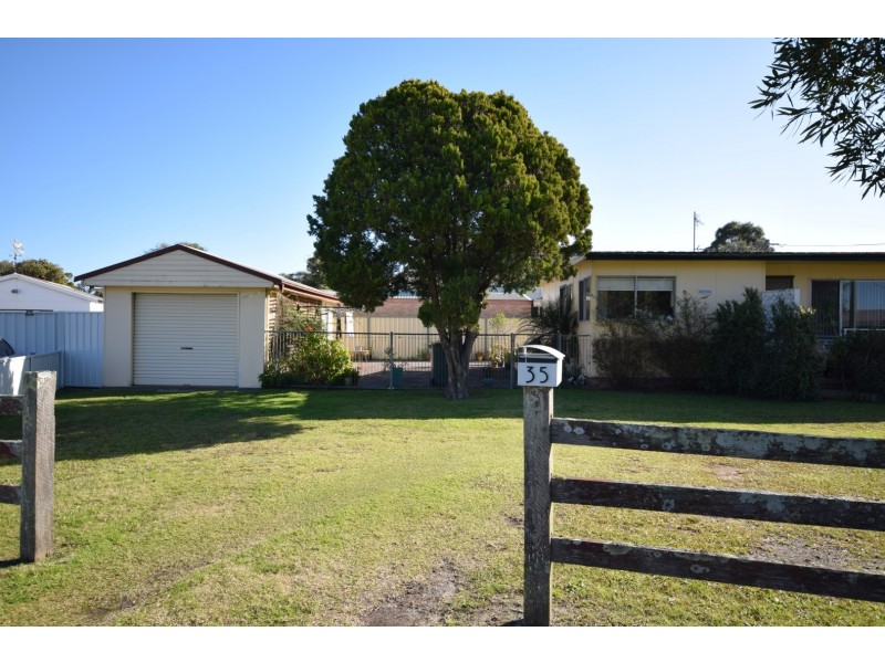 35 Haiser Road, Greenwell Point NSW 2540