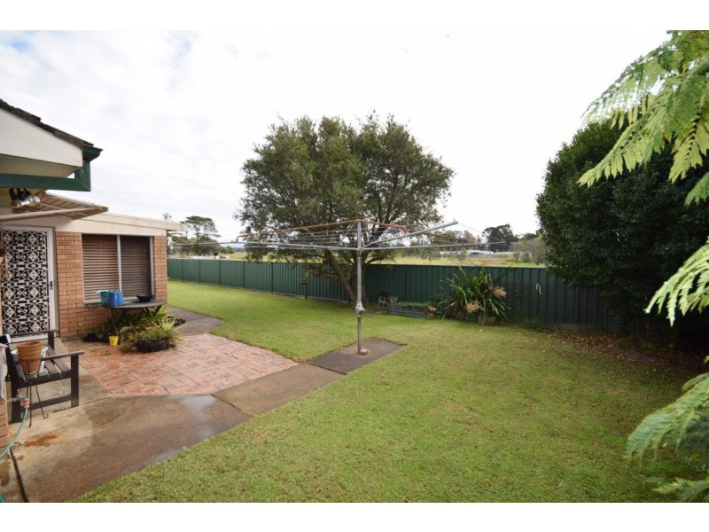 1 Bindaree Street, Greenwell Point NSW 2540