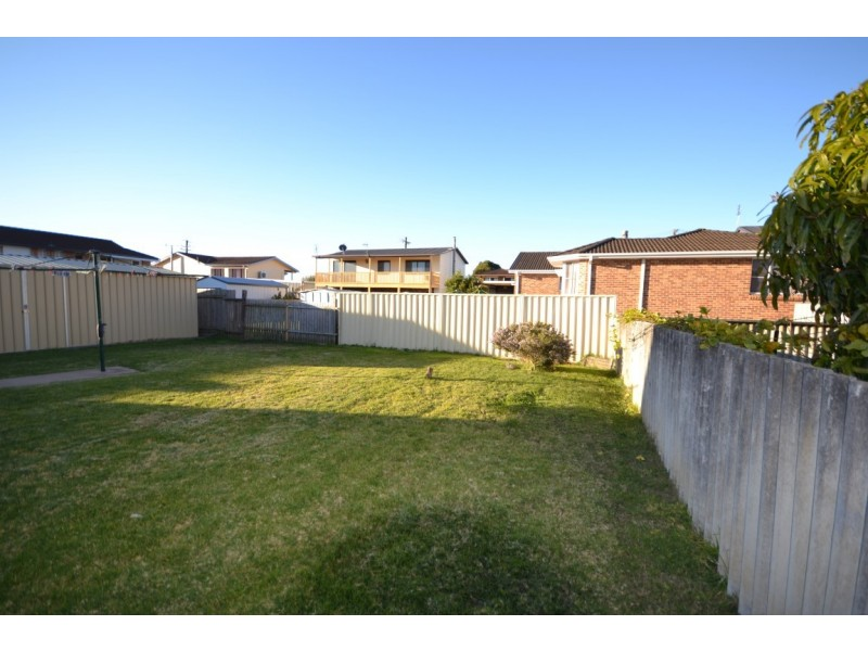 9 Crookhaven Road, Greenwell Point NSW 2540