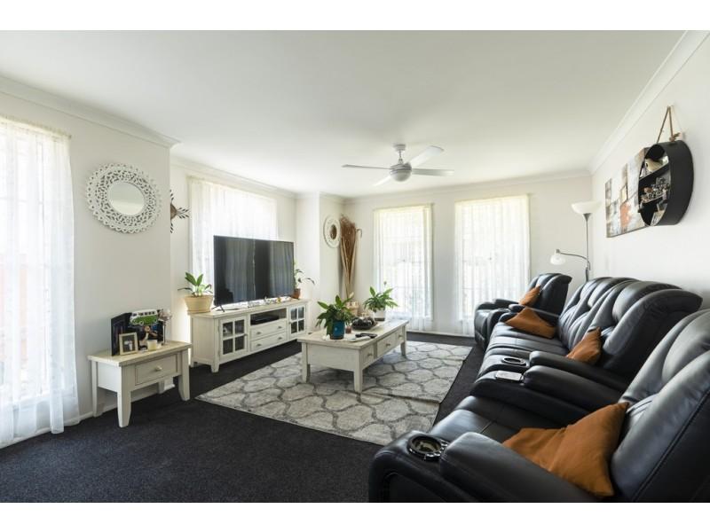 18 Warrigal Street, Nowra NSW 2541