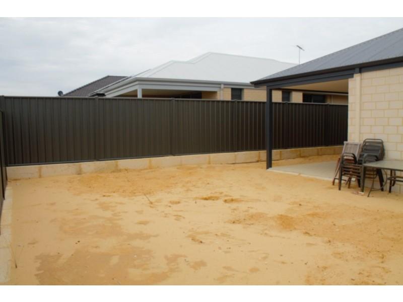 30 Leschenault Loop, Banksia Grove WA 6031