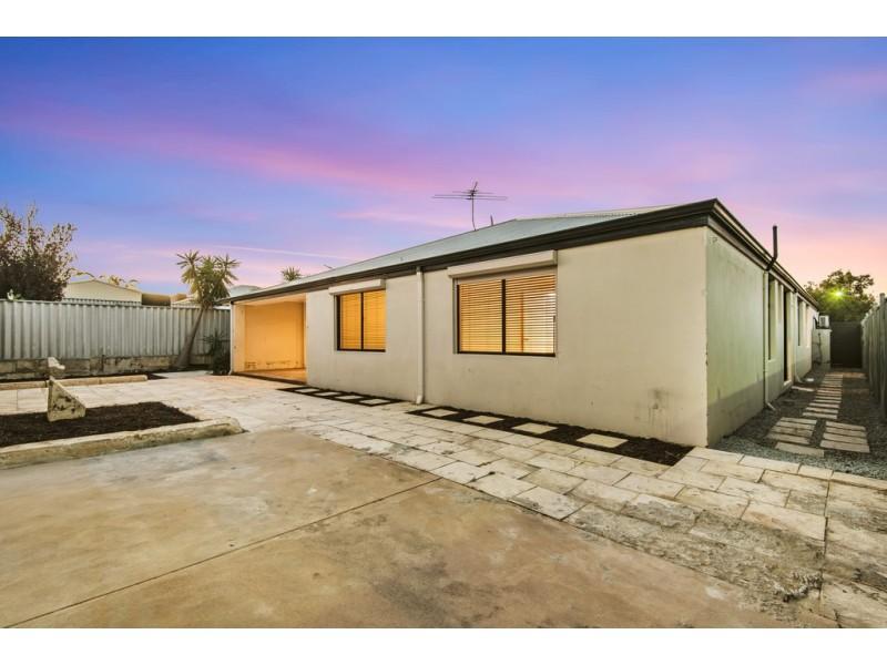 1 Repens Way, Banksia Grove WA 6031