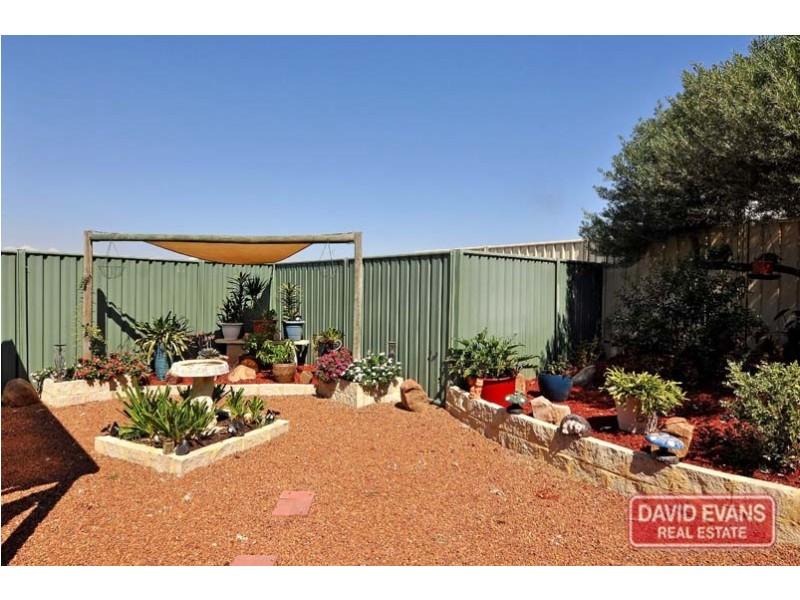 1 Tussock Elbow, Banksia Grove WA 6031
