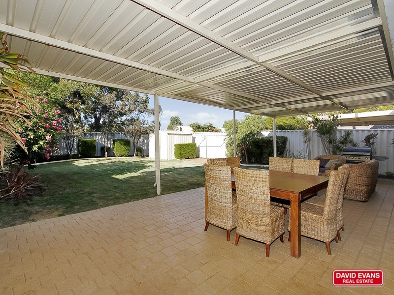 24B Connell Way, Girrawheen WA 6064