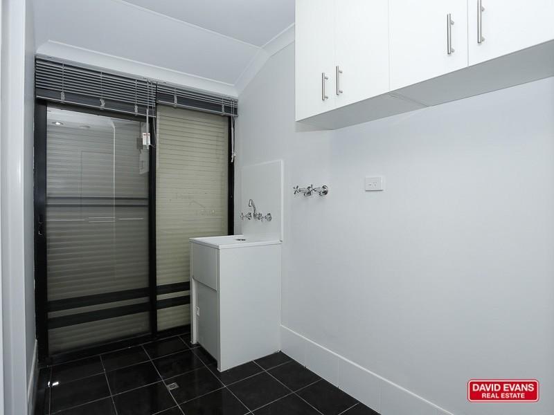 9 Beefwood Street, Banksia Grove WA 6031