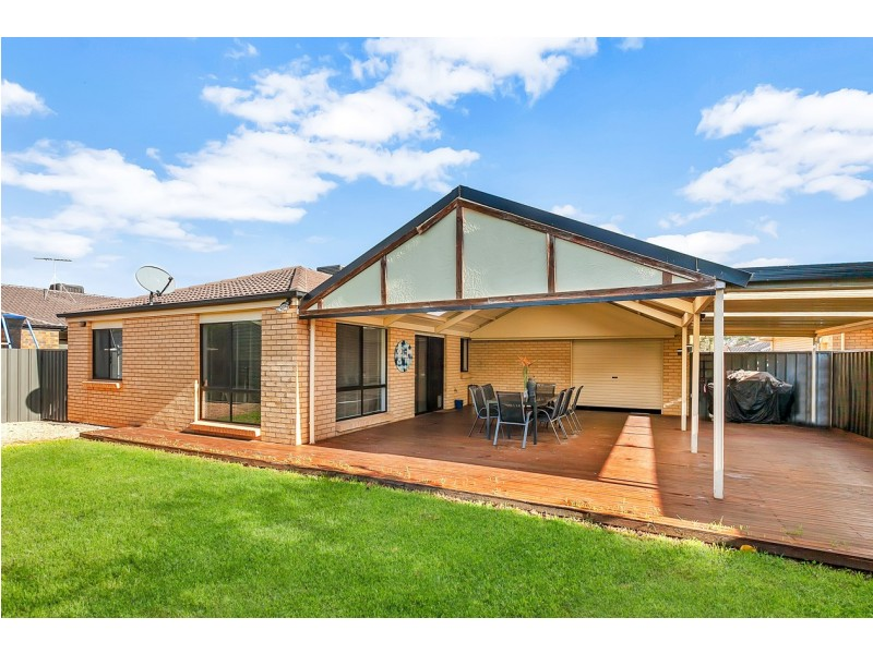21 Lakeside Drive, Andrews Farm SA 5114
