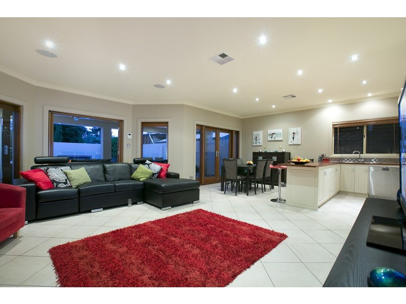 30 Hughes Street South, Woodville SA 5011