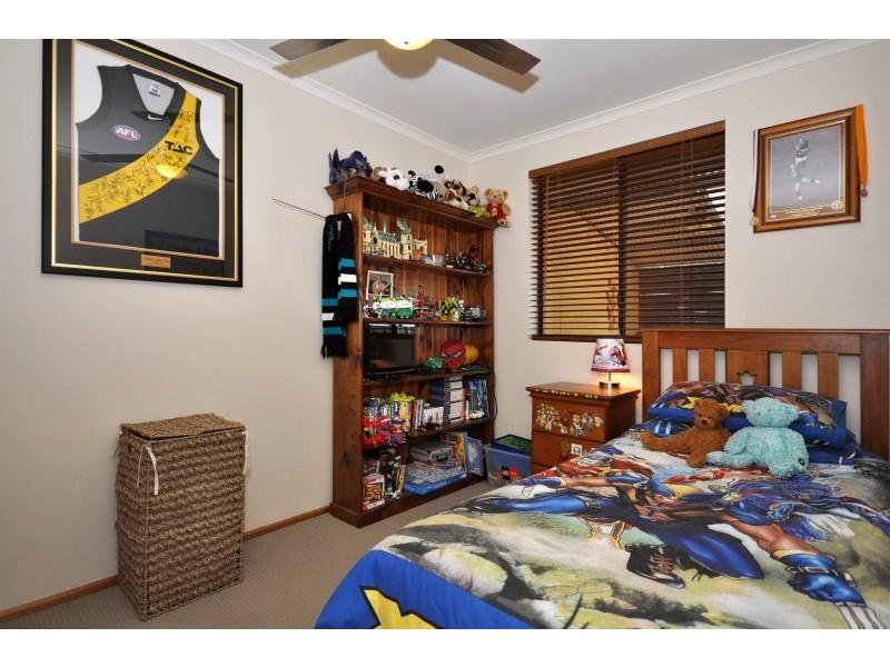 15 Homestead Dr, Aberfoyle Park SA 5159