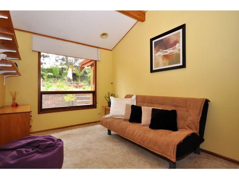 6 Grevillea Road, Aberfoyle Park SA 5159