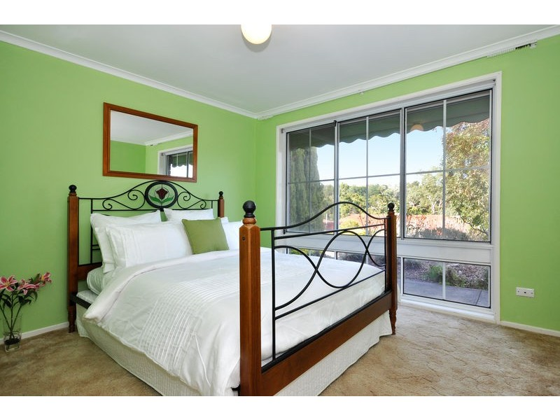 19 Banksia Road, Aberfoyle Park SA 5159