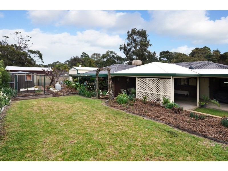 11 London Road, Aberfoyle Park SA 5159