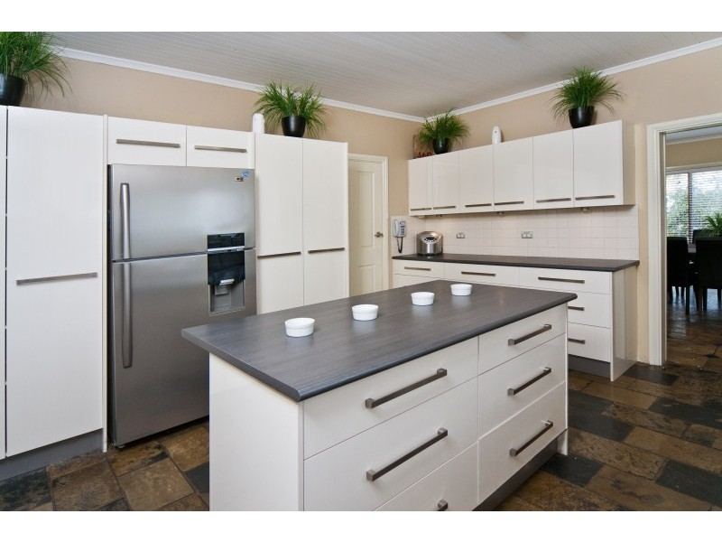 209 Windebanks Road, Aberfoyle Park SA 5159