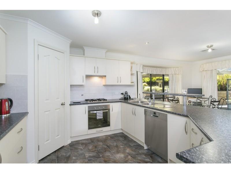 16 Walters Crescent, Aberfoyle Park SA 5159