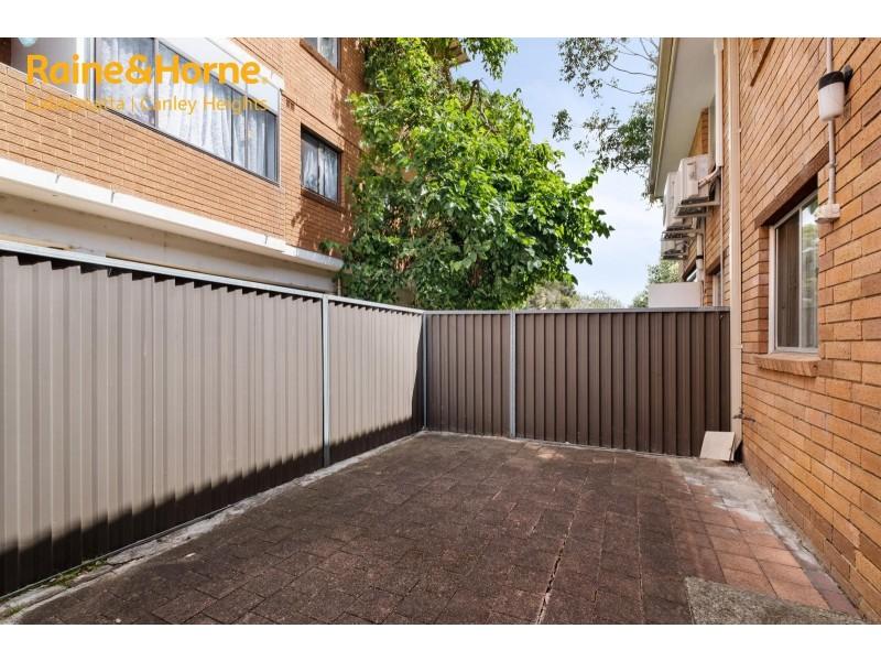 2/70 MCBURNEY ROAD, Cabramatta NSW 2166