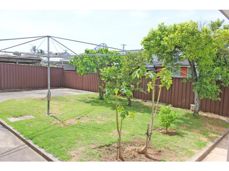 52 MIMOSA ROAD, Bossley Park NSW 2176