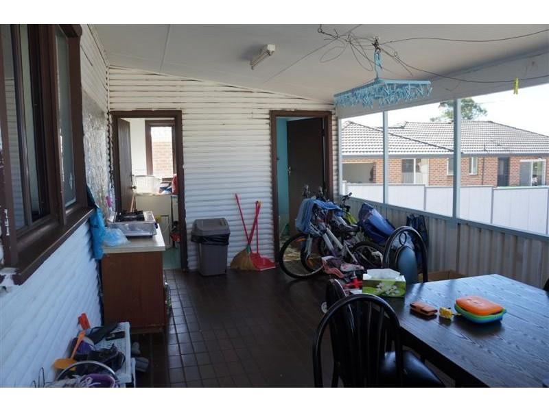 537 Cabramatta Rd, Cabramatta NSW 2166
