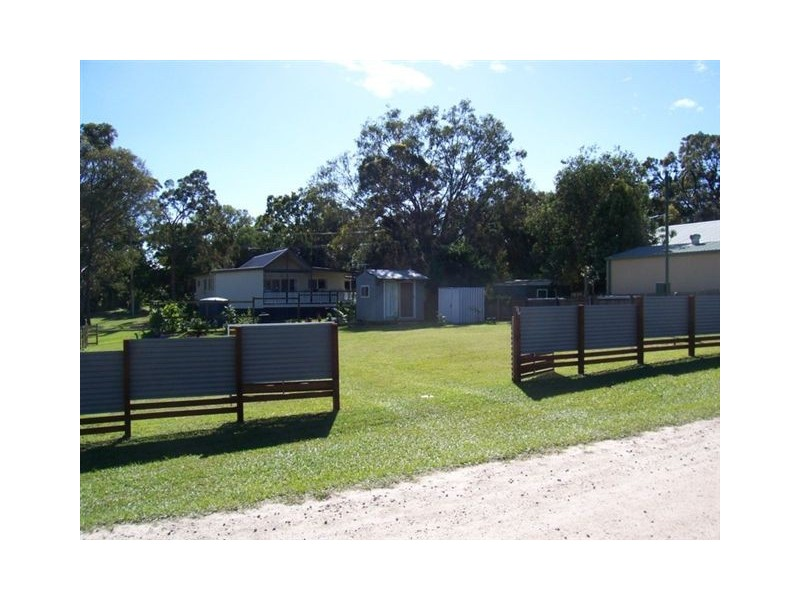 65 SCOTTS RD, Macleay Island QLD 4184