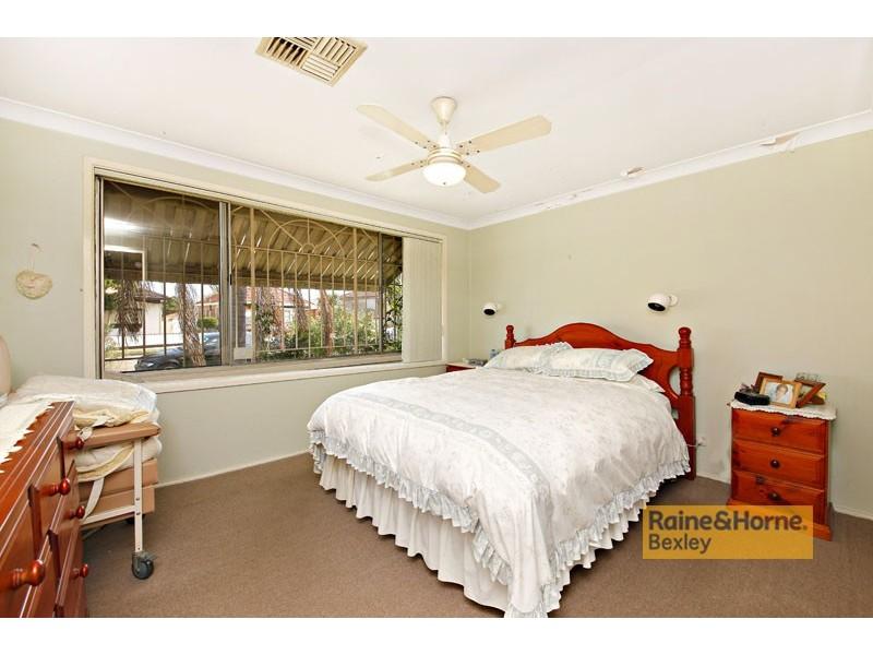 28  CARRINGTON ST, Bexley NSW 2207