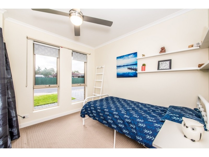 10 Raphael Crescent, Morphett Vale SA 5162