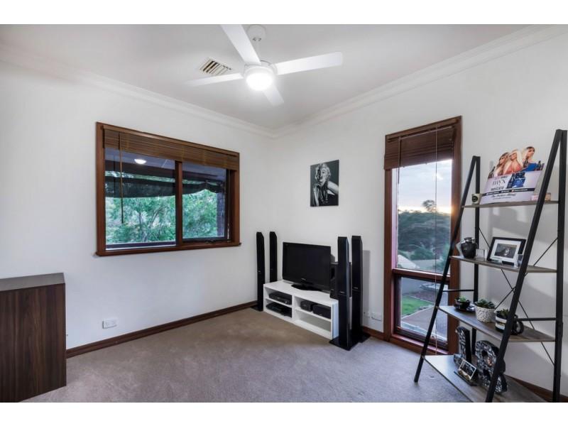 7 Ridge Place, Aberfoyle Park SA 5159
