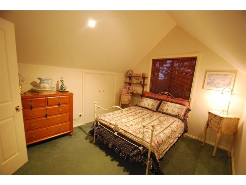 43 Pine Drive, Aberfoyle Park SA 5159