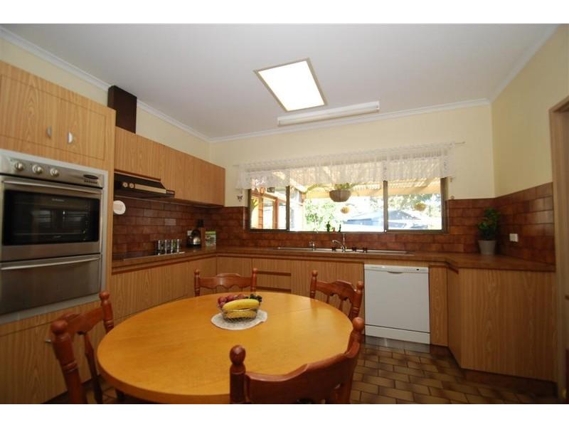 5 Iona Road, Aberfoyle Park SA 5159