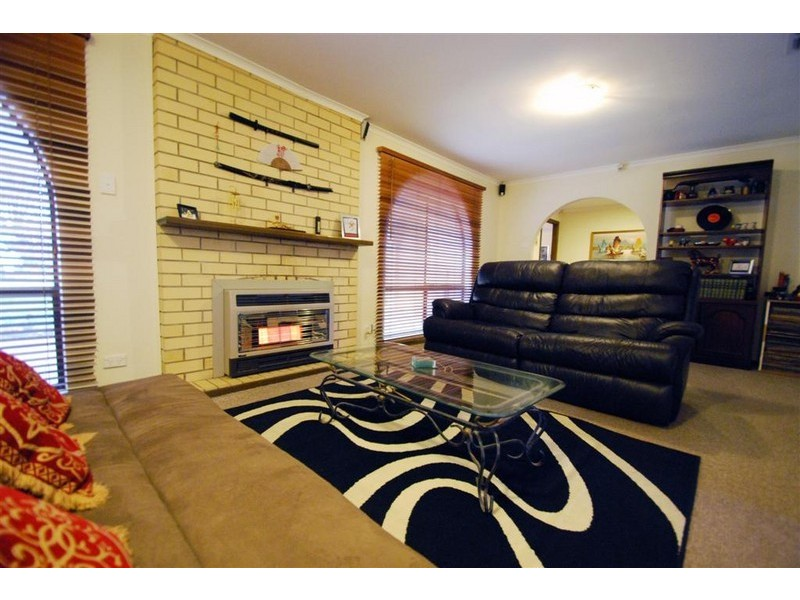 4 Southbound Avenue, Aberfoyle Park SA 5159