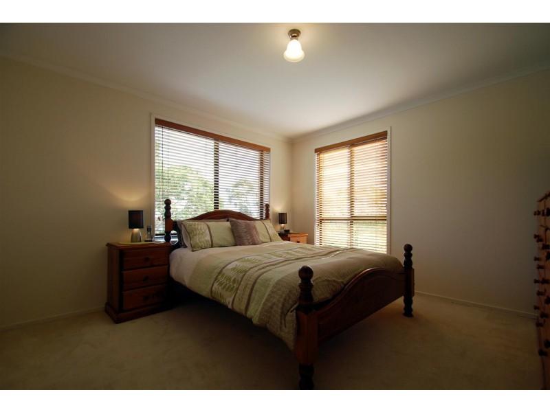 16 Grandview Court, Aberfoyle Park SA 5159