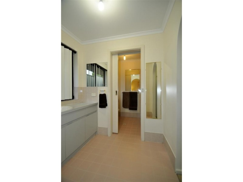 16 Jaimey Grove, Aberfoyle Park SA 5159