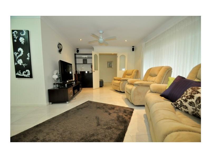 7 Jade Crescent, Aberfoyle Park SA 5159