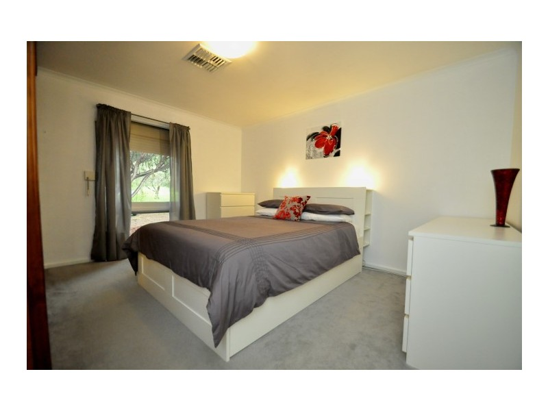 58 Manning Road, Aberfoyle Park SA 5159