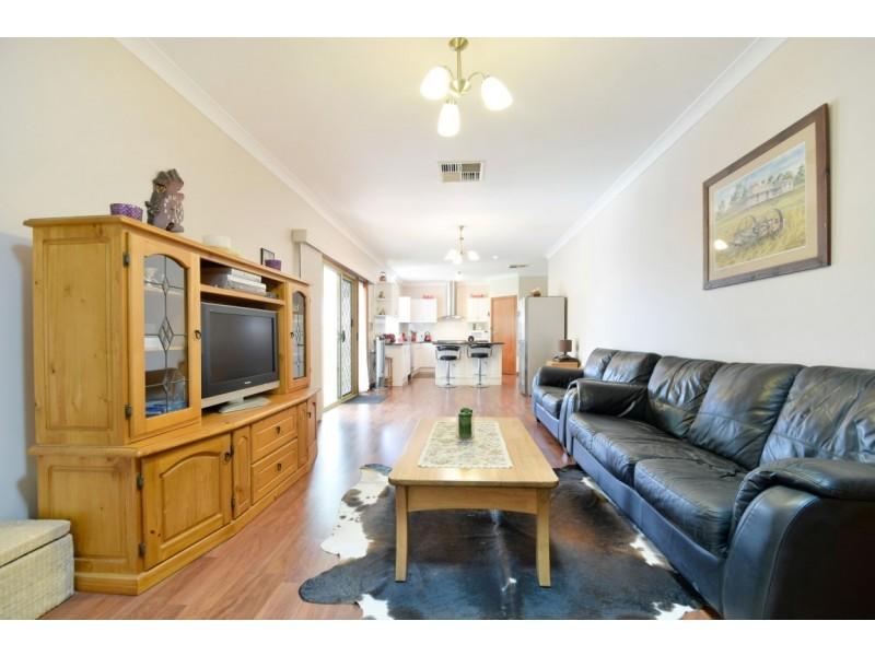 23 Crossdale Drive, Aberfoyle Park SA 5159