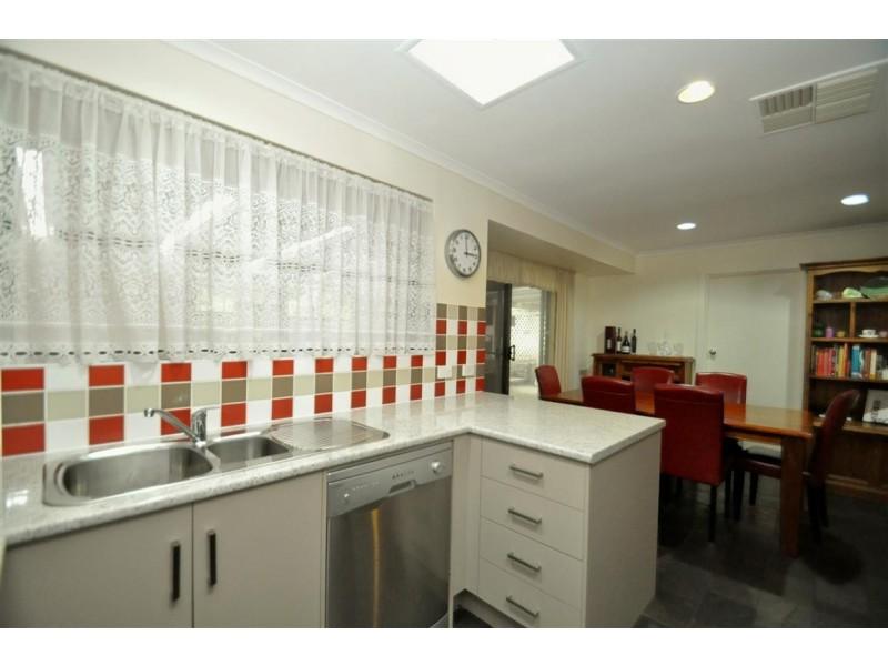 29 Sunnymeade Drive, Aberfoyle Park SA 5159