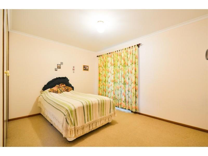 7 Oakridge Road, Aberfoyle Park SA 5159