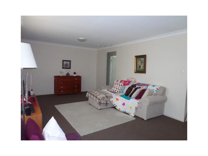 2 Magnolia Street, Daisy Hill QLD 4127
