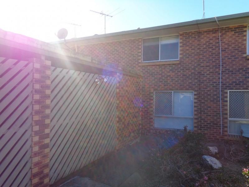 2/2a Cowper Ave, Eagleby QLD 4207