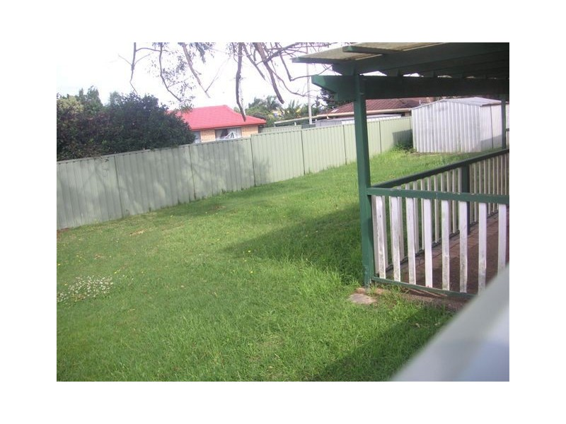 31 Brentwood Dr, Daisy Hill QLD 4127