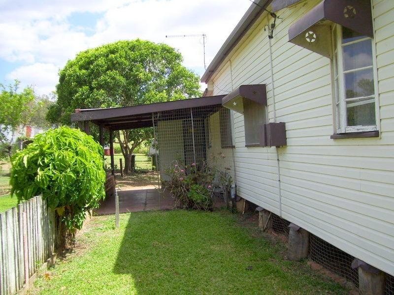 4 Smalls Road, Hamilton Creek QLD 4714