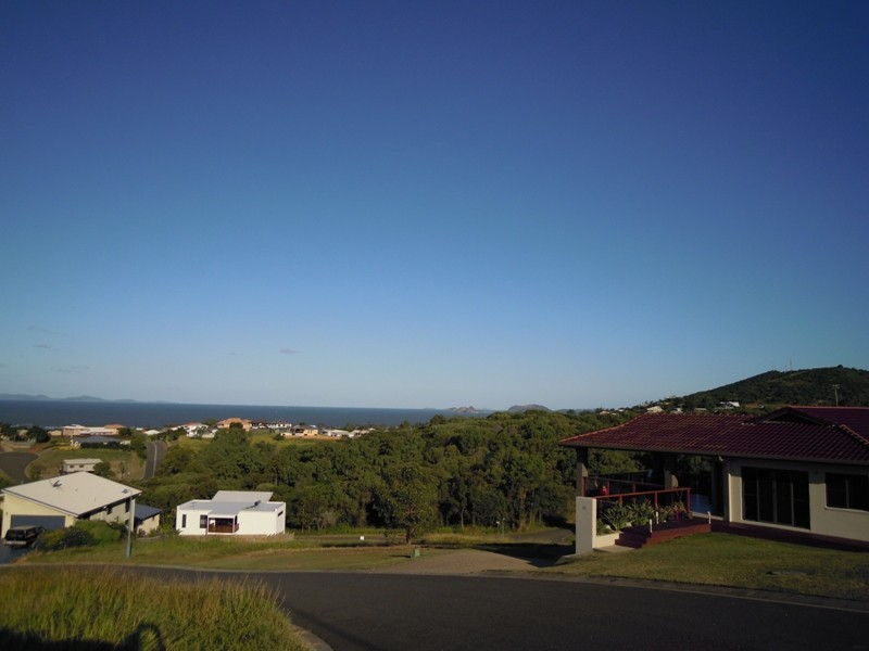 26 Pacific Vista Close, Pacific Heights QLD 4703